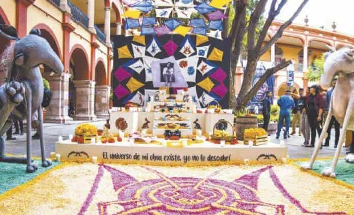 Altares de muertos en la UASLP