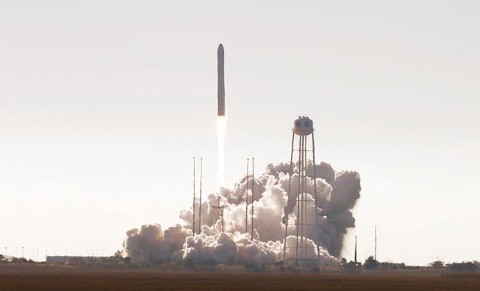 Lanzan cápsula al espacio: lleva un horno para galletas y autopartes