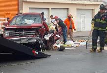Cinco heridos, deja choque en Av. Universidad