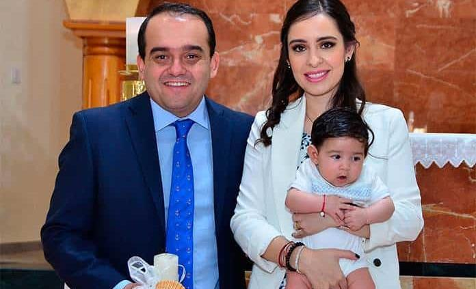 Jaime Morales Pérez recibe el bautismo