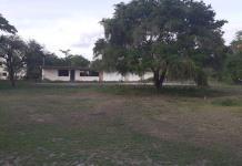Maleantes atracan plantel en Tamuín; se llevan hasta la cafetera y el asta de bandera