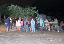Con machetes y palos vecinos de la B. Aires impedirían desalojo
