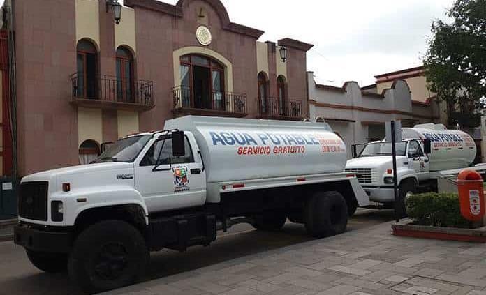 Insuficientes, pipas para atender demanda de agua