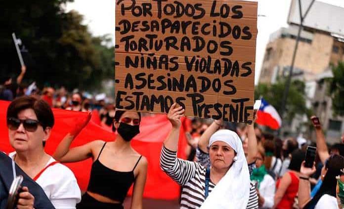 Camioneros y estudiantes mantienen protestas en Chile