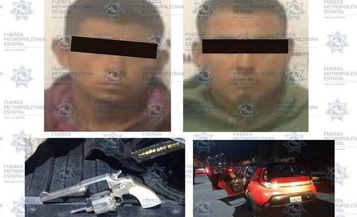 En la colonia Abasolo, detienen a dos sujetos en portación de arma de fuego y vehículo robado