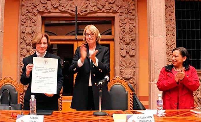 Isabel Monroy ya es miembro de la Academia Mexicana de Historia