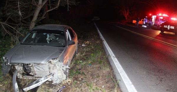Automovilista embiste a una joven en la carretera Valles-Rioverde - Pulso Diario de San Luis