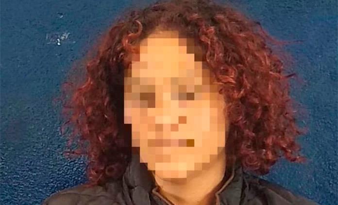 Acusan a mujer de despojar de su dinero a un hombre en un hotel
