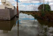 Fuga de aguas negras anega Puerta Real y la Uni Tecnológica