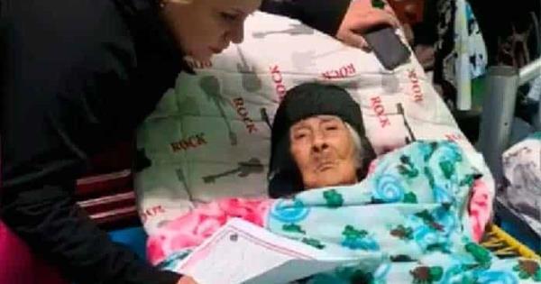 A los 106 años recibe su acta de nacimiento - Pulso de San Luis