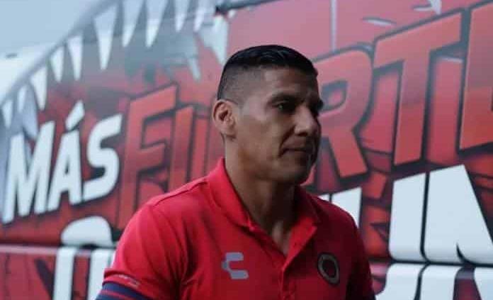 Carlos Salcido comienza los preparativos para su retiro