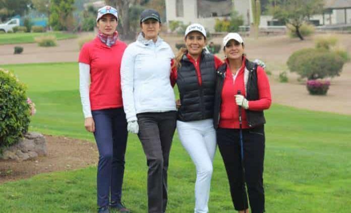 Acción en el Torneo de Golf en La Loma Residencial