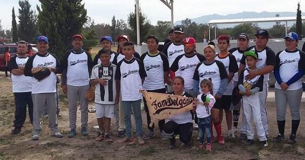 Familia Delgado, campeón de la Liga de Softbol Familiar - Pulso Diario de San Luis