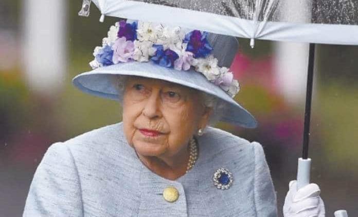 Isabel II se retracta