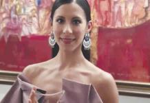 Elisa Carrillo recibe premio en Eslovaquia