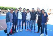 Jóvenes analizan opciones educativas para sus carreras profesionales