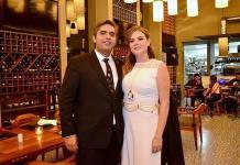 María Teresa Urriza Somohano y Guillermo Espinosa Abaroa efectúan su enlace civil