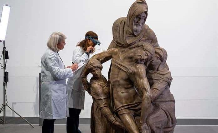 Restauran en público la Piedad de Florencia, la obra maldita de Miguel Ángel