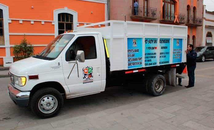 Dona DIF dos ambulancias a Servicios Públicos Mpales.