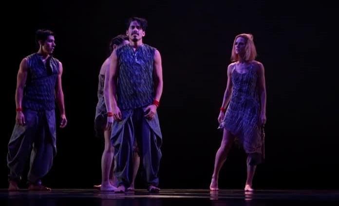 """""""Mutare"""" plasma con danza respuesta del oráculo de """"I Ching"""""""