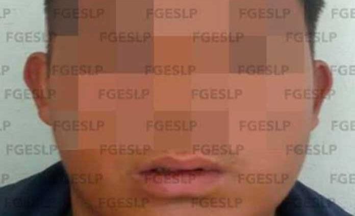 Arrestan a hombre acusado de violar a la sobrina de su pareja