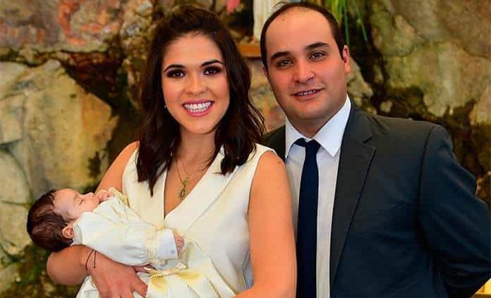 Valentina Suárez Valle recibe el bautismo