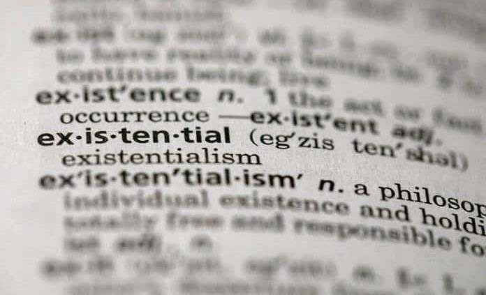 Dictionary.com elige existencial como palabra del año