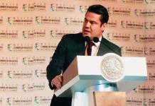 Ofrecen recompensa de un millón de pesos por información de 2 implicados en asesinato de Sandoval