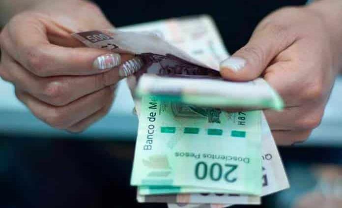 Recién egresados ganan 6 mil pesos en promedio: UVM