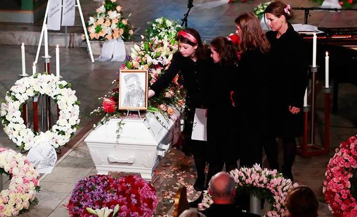Noruega despide al escritor Ari Behn en conmovedor funeral