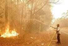 Australia llama a reservistas por incendios