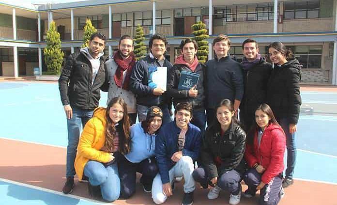 Jóvenes inician semestre escolar con renovados proyectos