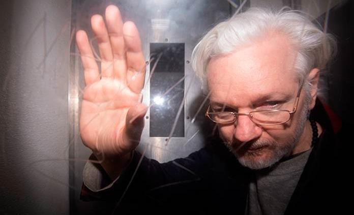 Assange resiste su extradición hacia EU