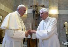 Benedicto XVI insiste en el celibato sacerdotal