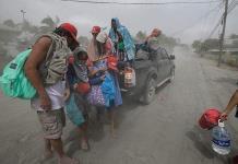 Manila se cubre con las cenizas del Taal
