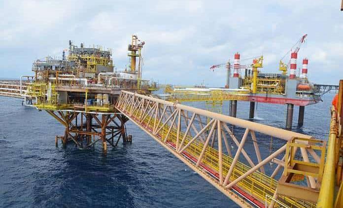 Prevén inversión por un bdp en sector petrolero
