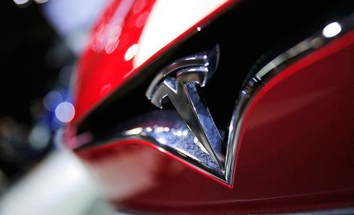 EEUU investiga aceleración involuntaria de autos Tesla