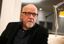 Paulo Coelho apoya un festival cultural vetado por el Gobierno de Bolsonaro por ser antifascista