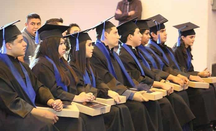 Generación de Licenciatura en Gastronomía del Instituto Culinario Danielli
