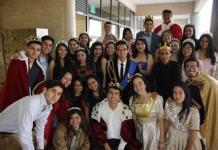 Alumnos del Instituto Potosino interpretan a personajes famosos del cine y la televisión