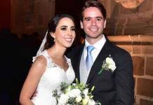 Lorena Cuadra Carrera y Eduardo Álvarez Bárcema sobios esposales