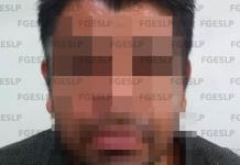 Detienen a policía estatal acusado de intentar apuñalar a su esposa
