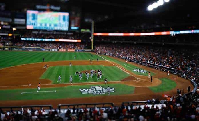 MLB busca ampliar playoffs