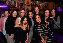 Montse Orozco recibe sorpresas en su cumpleaños