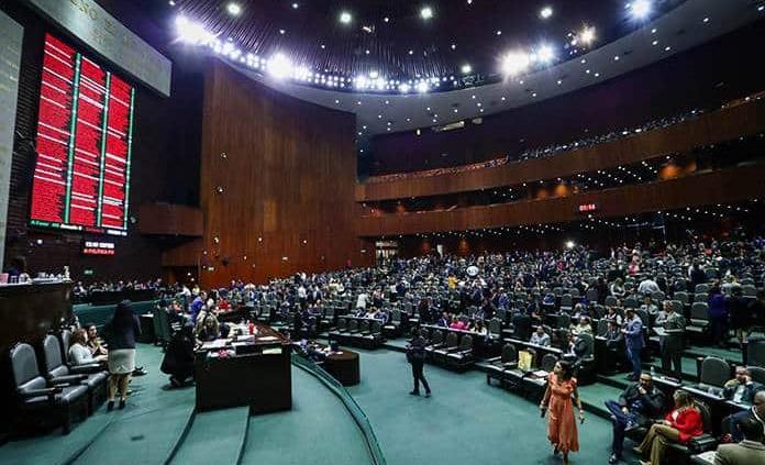 PT ofrece 5 mdp para sumarse diputados, acusa el PES