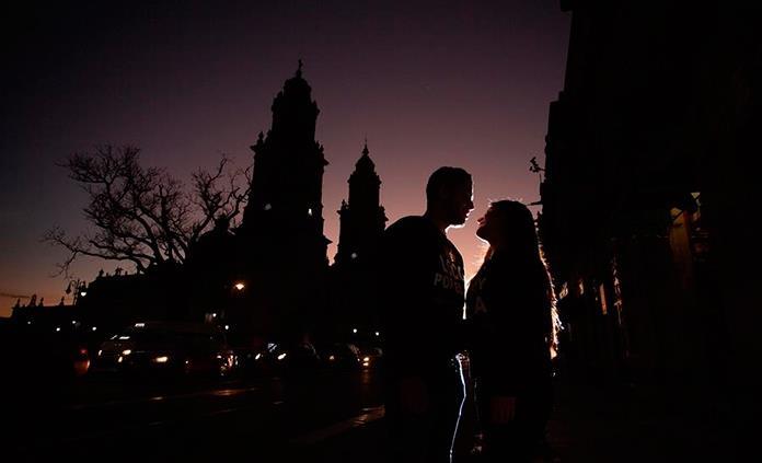 Un 5.6 % de los matrimonios mexicanos en 2019 nacieron en la web o app de citas