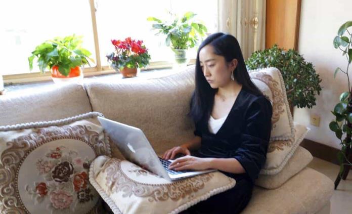 Cuarentenas en China obligan a millones a trabajar desde casa