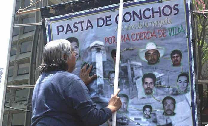 Familias de mineros de Pasta de Conchos piden al Gobierno solución amistosa