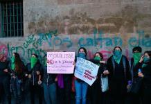 Feministas dañan Palacio Nacional