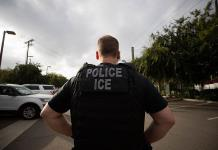 Renuncia el director de Inmigración de EEUU tras solo dos semanas en el cargo